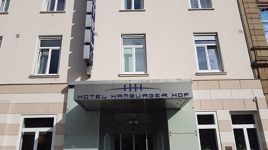 Hotel Hamburger Hof: 20180814_092720_large.jpg