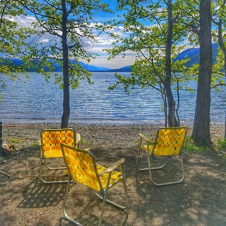 Iskut, Kanada: our lakeside campground and picnic area is a favorite hangout during the summer