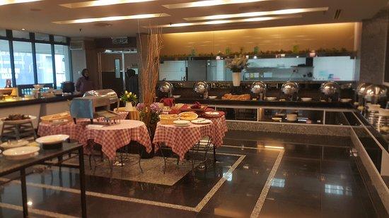 GBW Hotel: Breakfast area