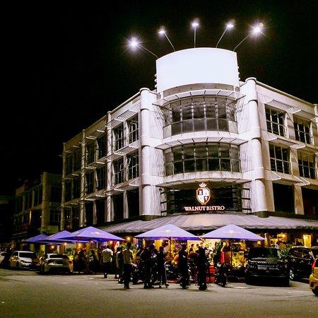 Puchong, ماليزيا: Walnut Bistro