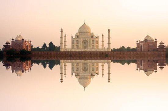 Delhi to Taj Mahal Sunrise Day-Tour...