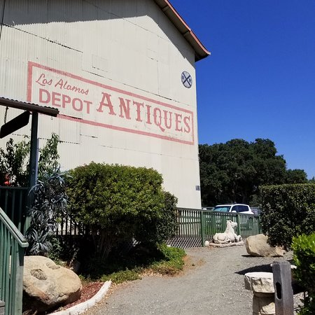 The Depot Antique Mall and Wine Pub: photo0.jpg