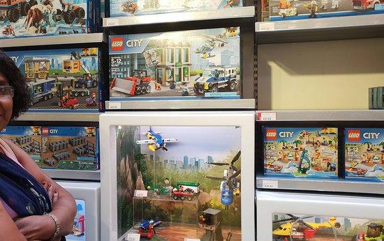 Lego Imagination Center: Caixas apelativas