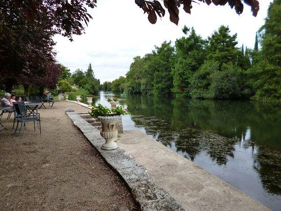 Mansle, França: jardin en bord de Charente
