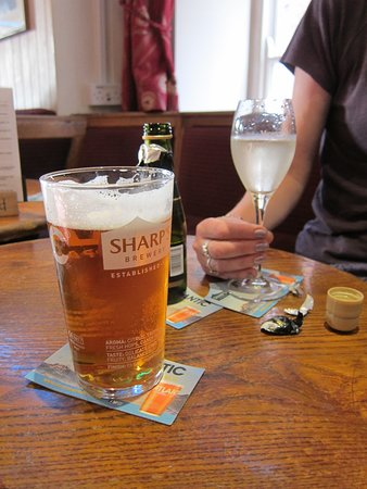 Kingsand, UK: Excellent ale and/or Wine