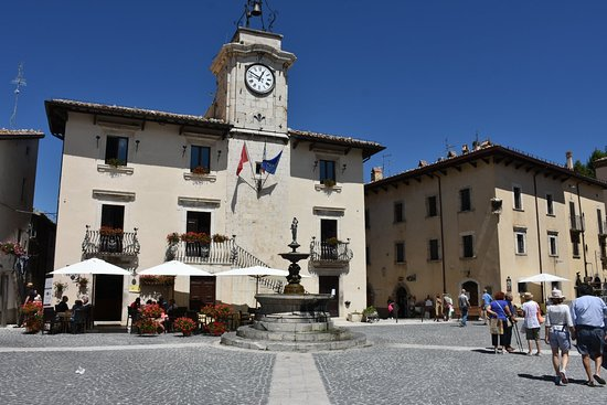 Pescocostanzo, İtalya: Borgo