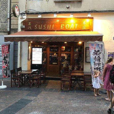 sushi boat montpellier 12 rue de verdun com die restaurant reviews phone number. Black Bedroom Furniture Sets. Home Design Ideas