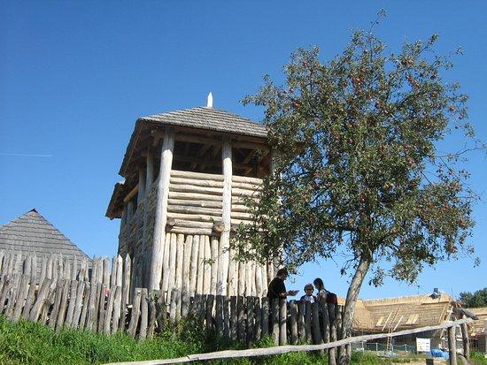 Archeoskanzen Modra: věž
