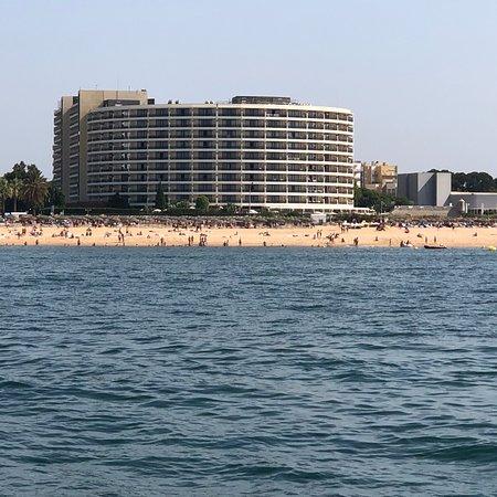 Eenvoudige versie van het chique Vilamoura-beach