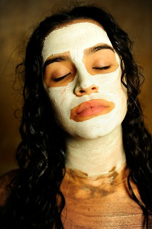 Hammam Andalusi Arabic Baths: Detalle de mascarilla facial de arcilla en Tratamiento especial Andalusí