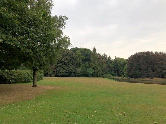 Beernem, بلجيكا: lawns