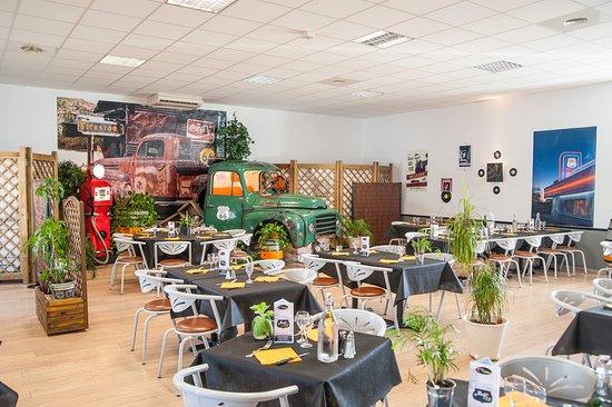 Le Pallet, فرنسا: Salle de restaurant