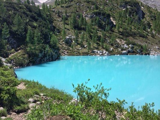 Lago di Sorapiss: Il colore è esattamente cosi, non ci sono filtri