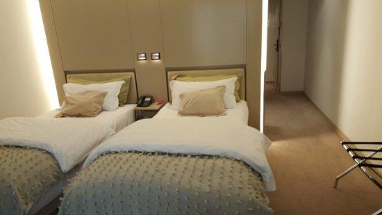 Design Hotel Josef Prague: twin bed