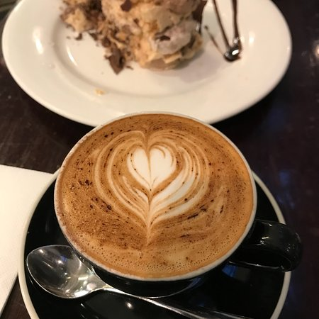 Very ordinary cafe, very extra ordinary price!