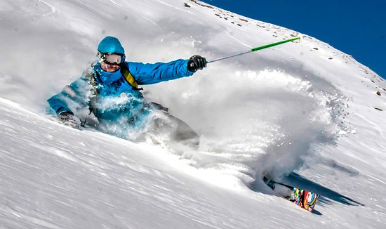 Megève, Francia: Skiing Powder In Megeve With Freedom Snowsports