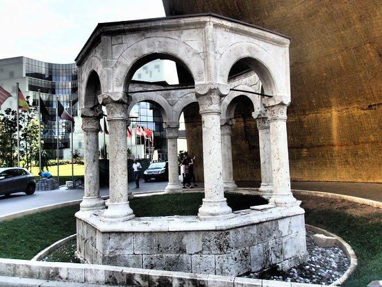 Kapllan Pasha's Tomb