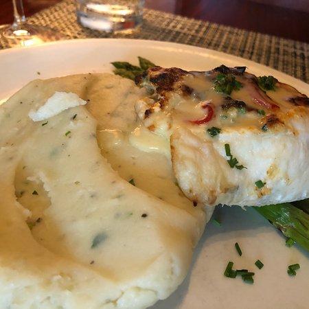 McCormick & Schmick's Seafood & Steaks: photo2.jpg