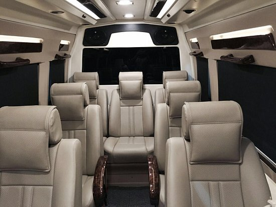 4 Seater Luxury Tempo Traveller Hire In Delhi Noida Picture Of