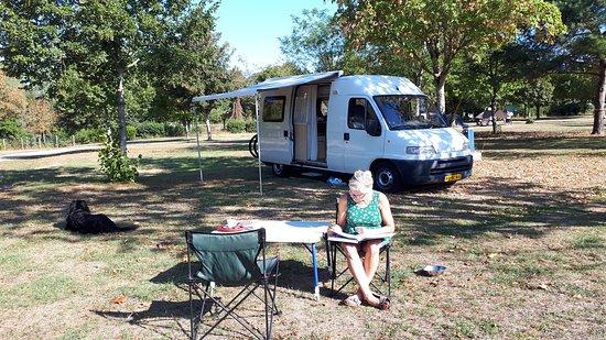 Ligny-le-Chatel, Francja: Camping de la Noue-Marrou in de Bourgogne