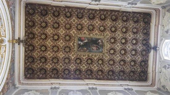 Santuario del Santissimo Crocefisso della Pieta: Soffitto a cassettoni