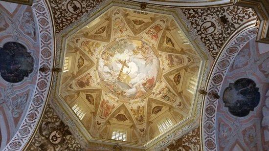 Santuario del Santissimo Crocefisso della Pieta: Cupola affrescata