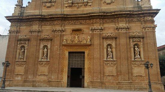Santuario del Santissimo Crocefisso della Pieta: Facciata