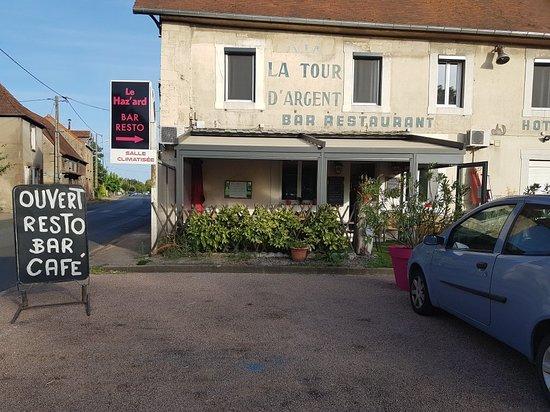 Villeneuve-sur-Allier, Francja: Le Haz'Ard