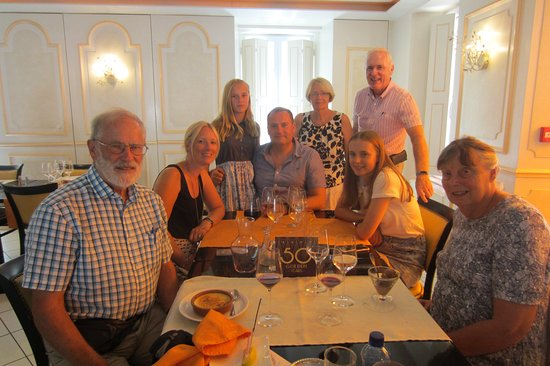 Seyches, Francia: Celebrating our Golden Wedding Anniversary at the Vieux Porche