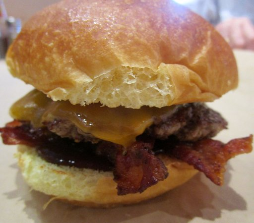 Skillman, NJ: Cheddar Bacon Burger