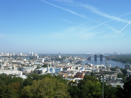 Andriyivski Uzviz: Άποψη της πόλης και ο Δνείπερος