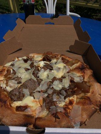 Wingdale, NY: Fennel sausage and smoked mozzarella!