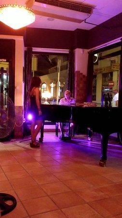 La La Land Piano Bar afbeelding