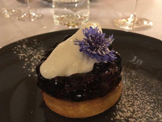 Auriac, Frankreich: Tarte amande myrthille