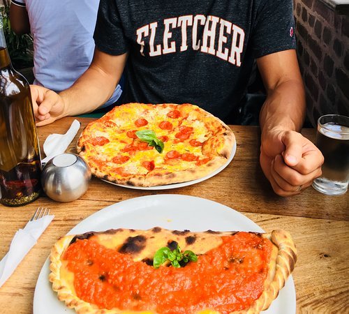 Fire and Ice Pizzeria: Pizza and calzone