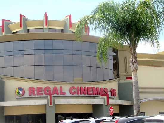 Regal Cinemas 16, Escondido, Ca