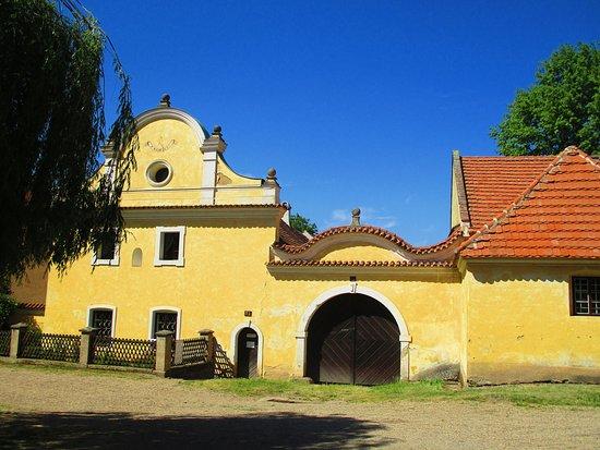 Trebiz, Republik Ceko: Šubrtův statek