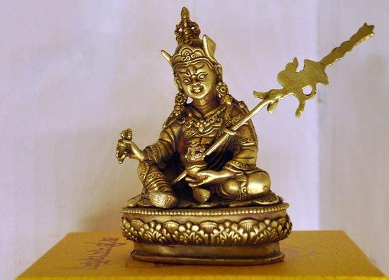 Arcidosso, Italy: Statua di Padmmasambhava