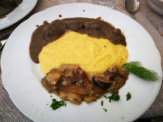 Sottoguda, Ιταλία: 4 pezzi di carne per un piatto della casa mi sembrano un po' scarsi... Il gusto buono!
