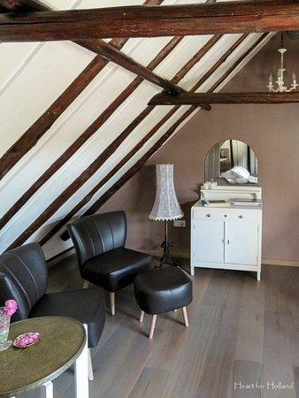 Sint Jansklooster, Ολλανδία: Bedroom in the Swallow Room.