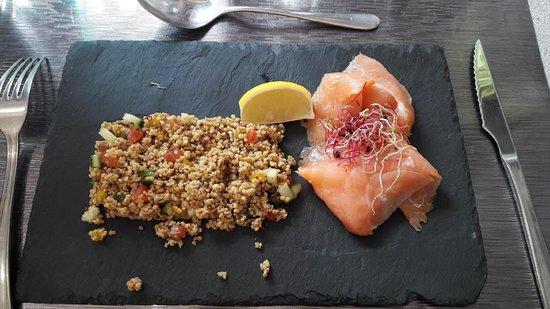 Ry, Prancis: quinoa et saumon fumé