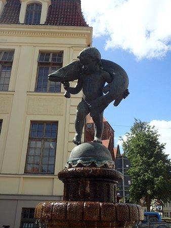 Teterower Hechtbrunnen