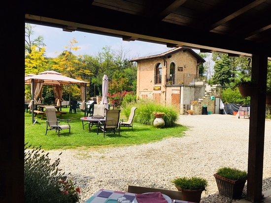 Pozzol Groppo, Италия: Giardino