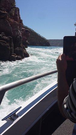Horizontal Falls Seaplane Adventures: Horizontal Falls, Talbot Bay WA