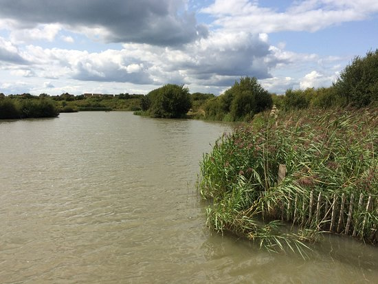 Gosport, UK: Lake in Alver Valley County Park