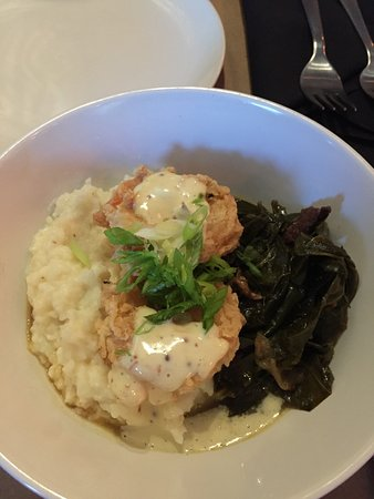 South Glens Falls, Estado de Nueva York: Southern Fried Shrimp with grits and collards