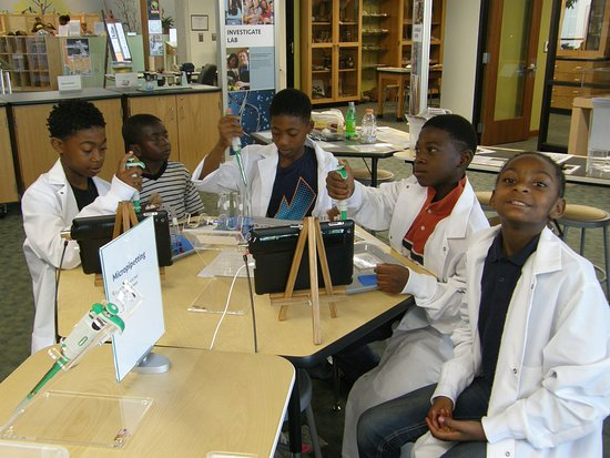 Whiteville, NC: Investigate Lab. All scientists need to wear lab coats!