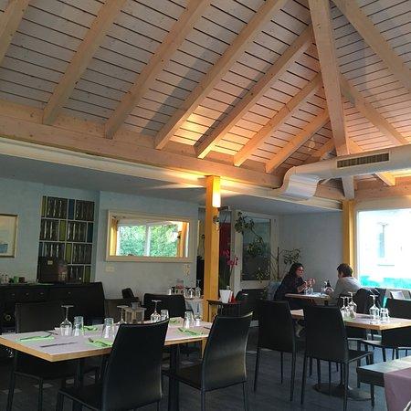 Portalban, สวิตเซอร์แลนด์: Très jolie véranda