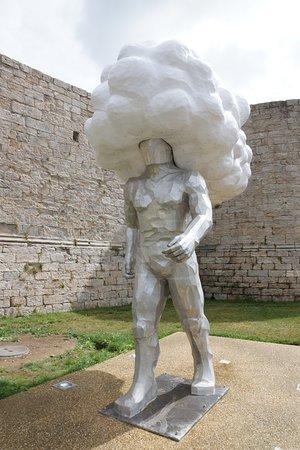 Sculpture l'Arpenteur