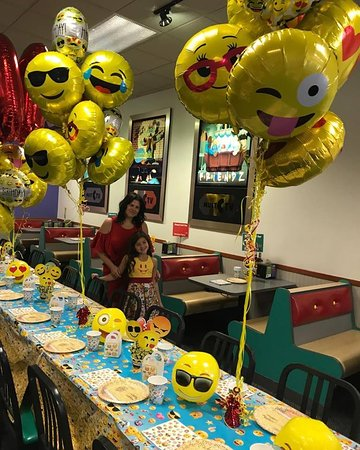 Chuck E Cheeses Emogi Birthday